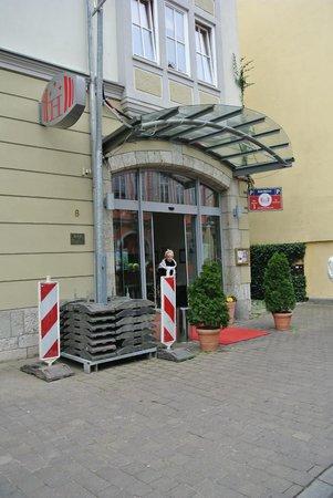 Hotel Am Kaisersaal: Hoteleingang
