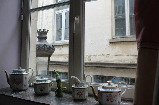 Bed and Breakfast Taptoe: Venta con vista al callejón