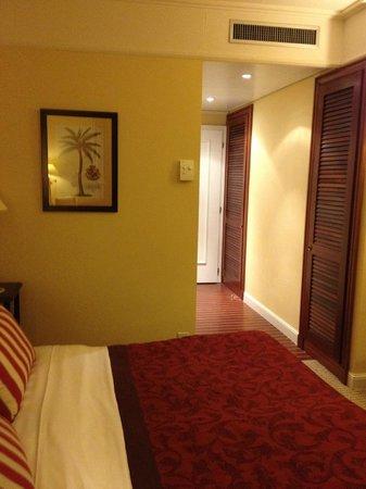 Hotel Kipling - Manotel Geneva: Our room