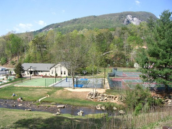 Rumbling Bald Resort on Lake Lure : wellness center