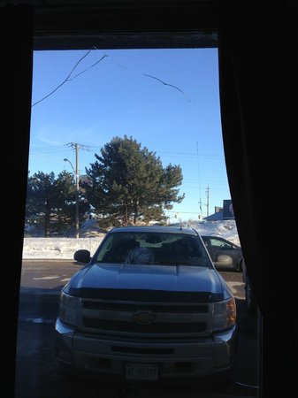 Econo Lodge: Broken Window