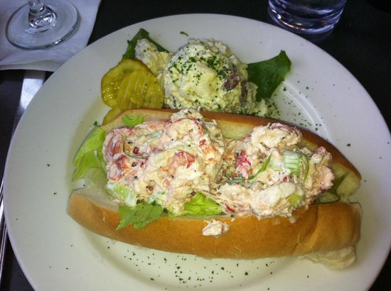 Lobster Pot: The lobster roll was so good, I could have cried!