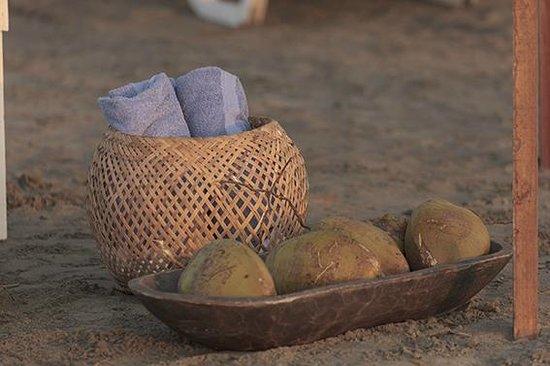 Kohsamui Hotel De Mar: en la playa con toallitas, aguita de coco...pa que mas!
