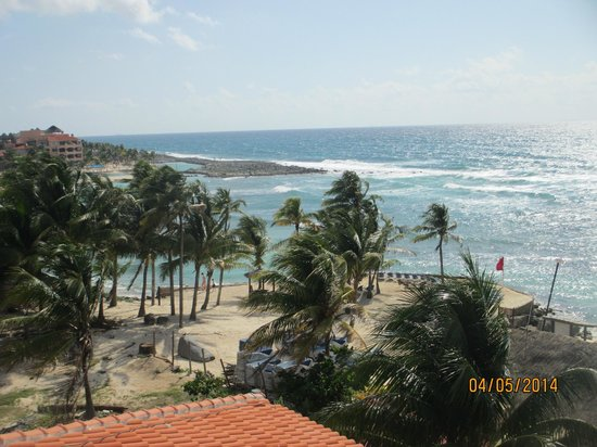 Dreams Puerto Aventuras Resort & Spa: View from our room