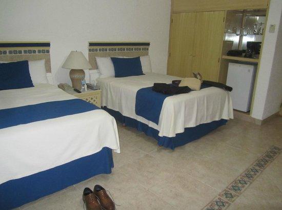 The Inn at Mazatlan: Room