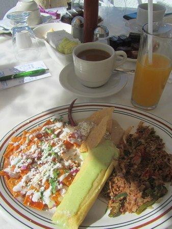 The Inn at Mazatlan: Breakfast