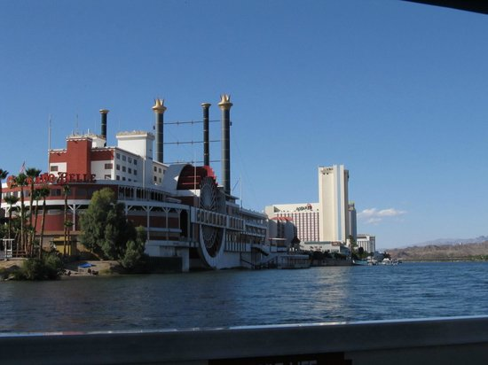 Colorado Belle Hotel & Casino: View from water taxi