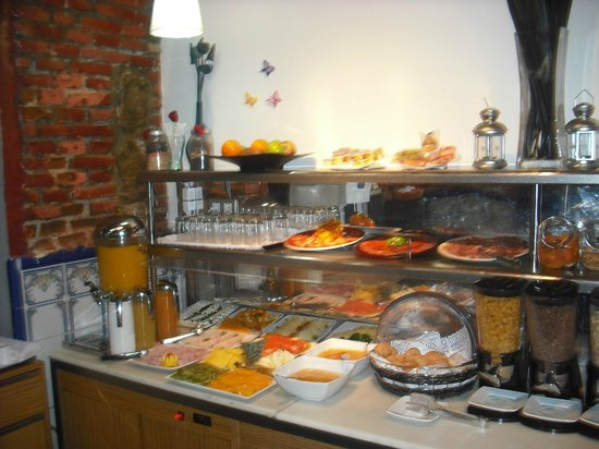 Petit Palace Plaza del Carmen : Breakfast photo 1