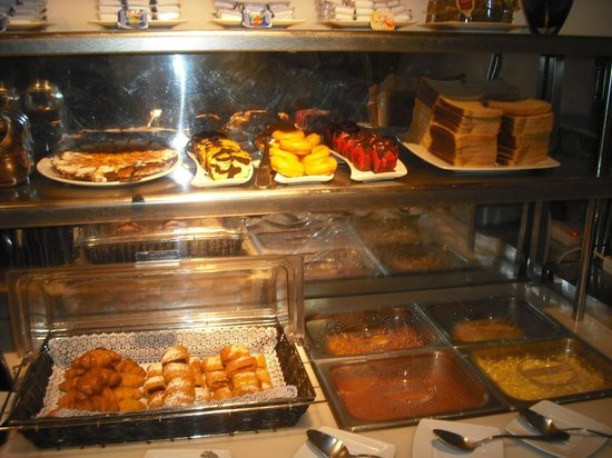 Petit Palace Plaza del Carmen : Breakfast photo 2