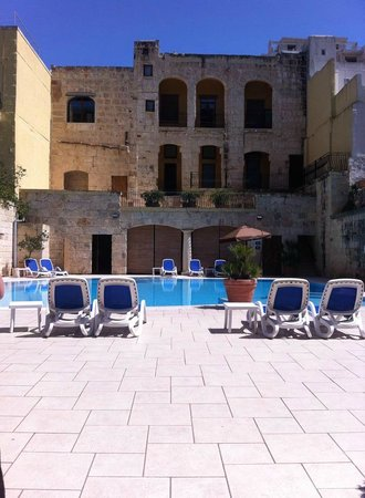 Maritim Antonine Hotel & Spa: Main pool