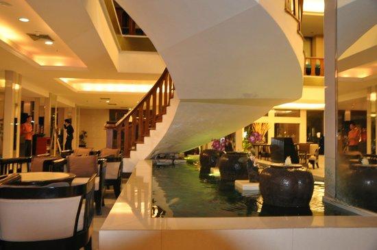 Amora Resort Tapae Chiangmai: salao de espera