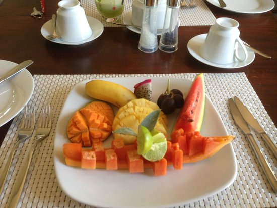 Elephant Stables: Breakfast