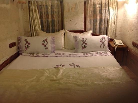 Gamirasu Cave Hotel: Main Bedroom