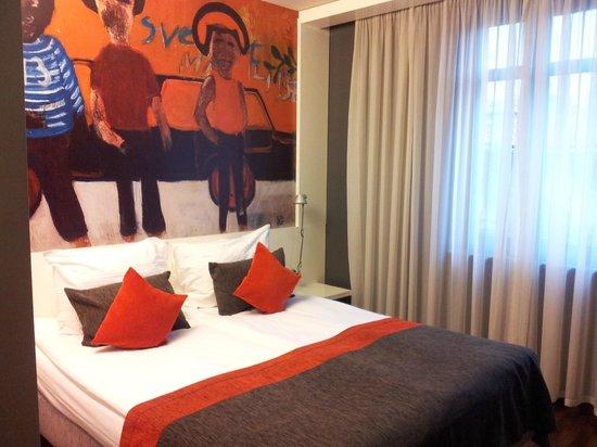 Bohem Art Hotel: Вид на нашу маленькую комнату