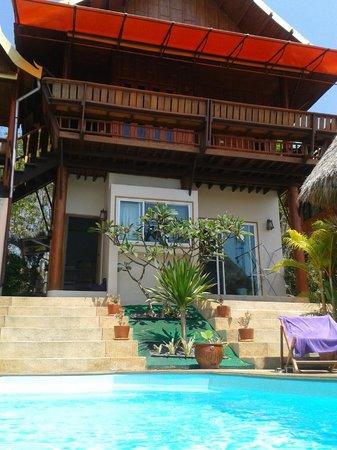 Golden Pool Villas : Villa from pool area