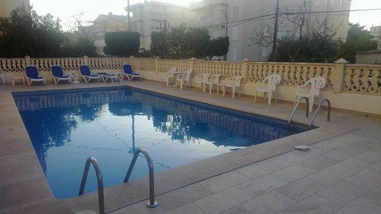 Hotel Miranda: Pool area