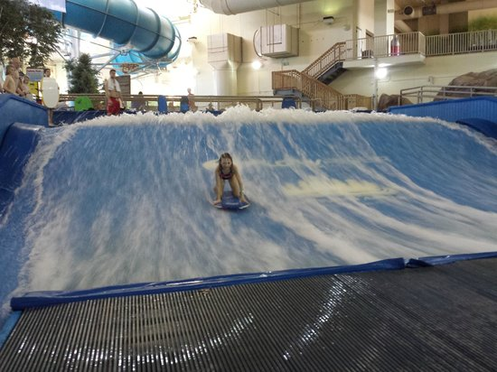 Radisson Hotel Bloomington by Mall of America: Surfing!