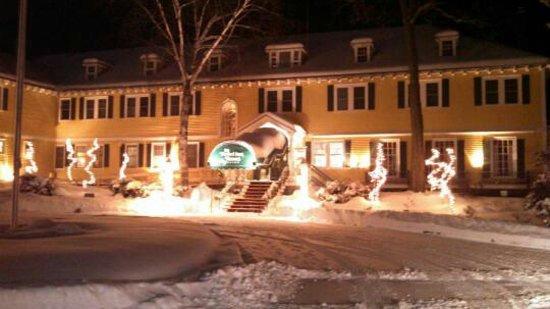 The Bethel Inn Resort : A winter wonderland... just 6 miles from Sunday River!