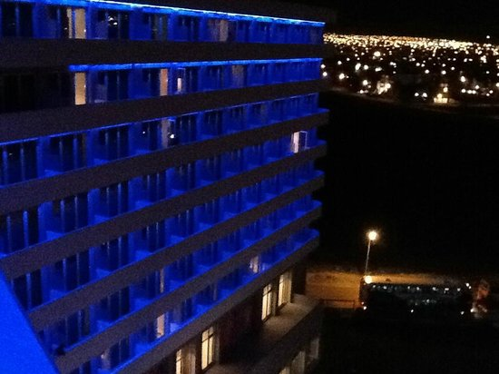 Rayentray Puerto Madryn Hotel: vista nocturna