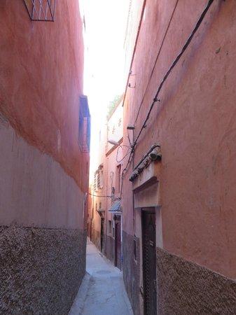 Riad Andalla : Rua de acesso