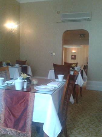 The Clarence Hotel: Breakfast Room