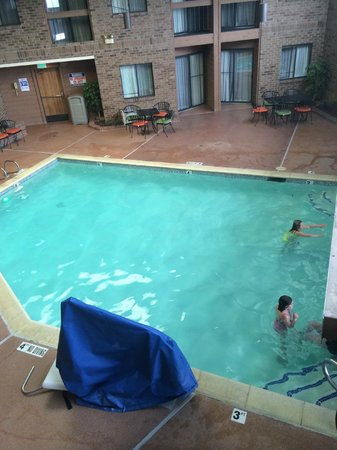Best Western Plus Landmark Inn & Pancake House: Pool