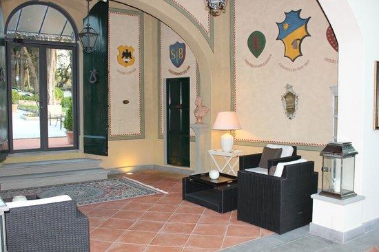 Relais Villa Il Sasso Historical Place: Hall d'entrée