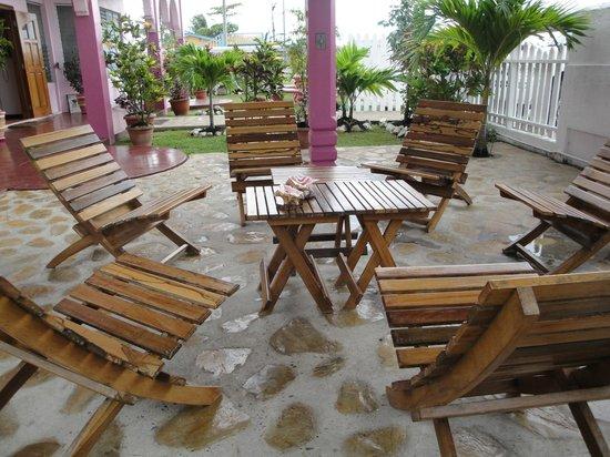Beya Suites: Garden Gazebo for relaxation