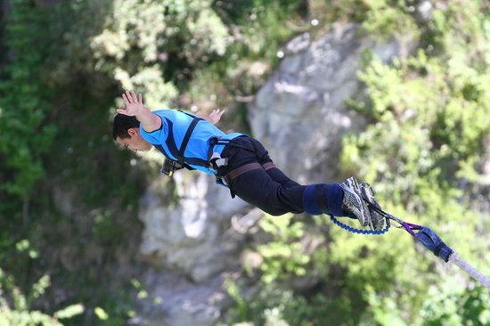 AJ Hackett Bungy New Zealand : Kawarau Bridge Bungy