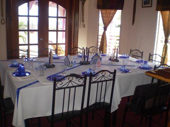 Beya Suites: Rosewood Breakfast Area