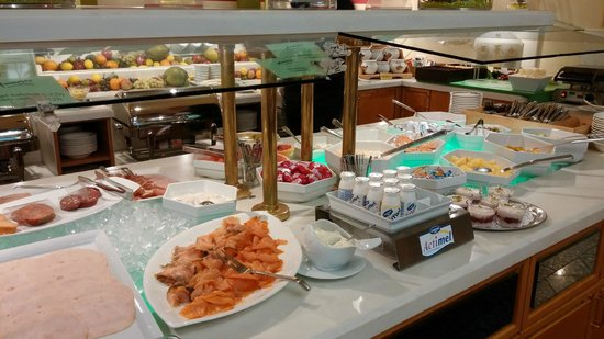 Holiday Inn Dusseldorf-Neuss: Breakfast