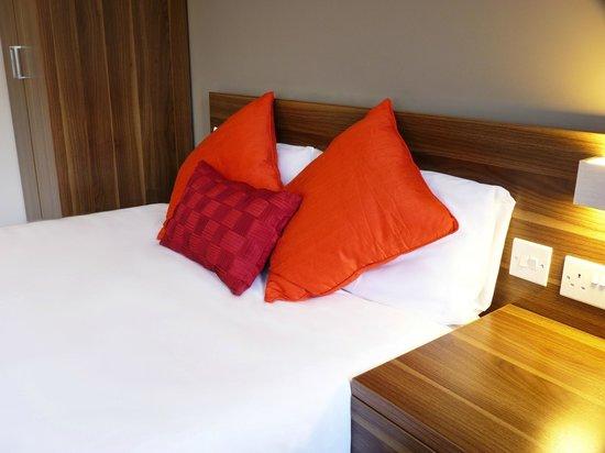 Britannia Study Hotel : Comfy Pillows