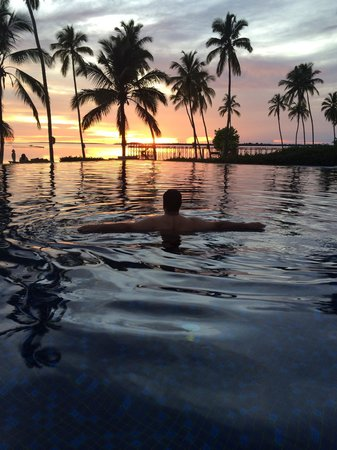 The Residence Zanzibar : Sunset at main pool