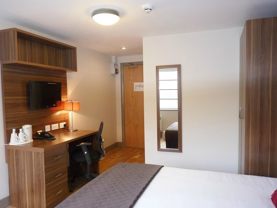 Britannia Study Hotel : Spacious Rooms