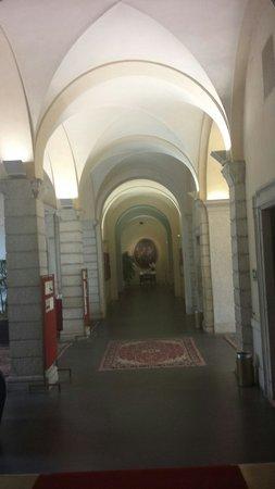 Centro Pastorale Paolo VI: Un salone