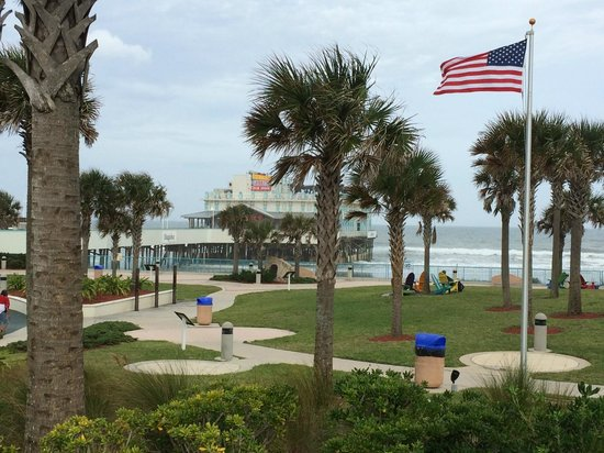 Daytona Beach Resort and Conference Center: Daytona Beach Pier