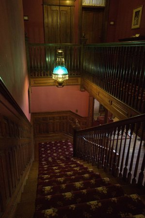 Old Rittenhouse Inn: Coming down the main staircase.