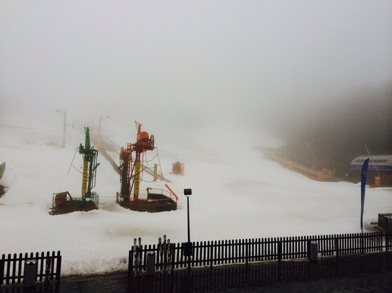 SERHS Ski Port Del Comte Hotel: Vista de las pistas desde la habitación