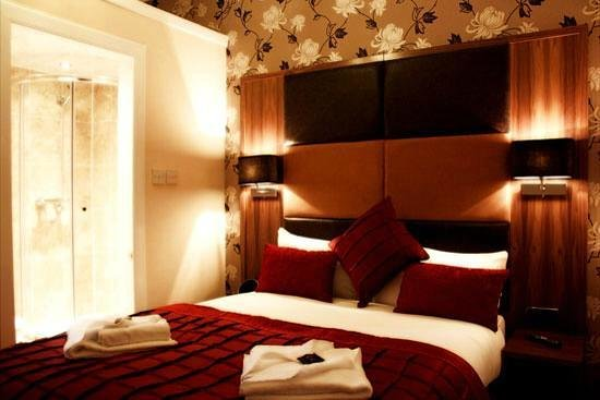 Edinburgh Regency Guest House : what the room is advertised as. SHOCKING!!!!! these rooms should not be advertised as this onlin