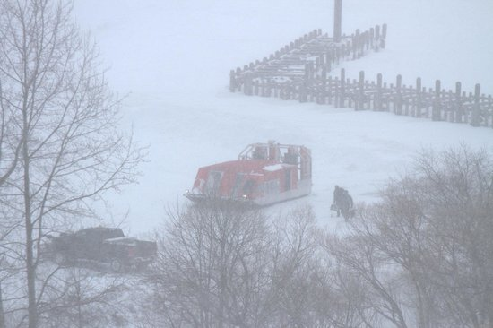 Old Rittenhouse Inn: Our view of the wind sled that takes people to Madeline Island.