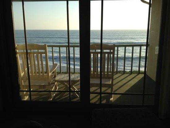 Cavalier Oceanfront Resort: Amazing balcony room