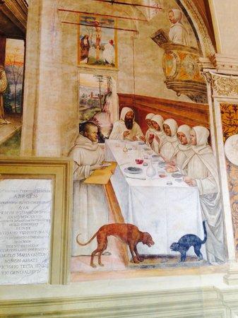 Abbazia di Monte Oliveto Maggiore: A.Benedetto e il miracolo della farina...e il cane e il gatto litigano