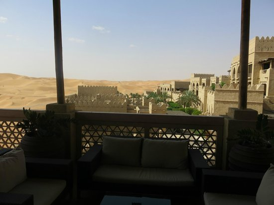 Qasr Al Sarab Desert Resort by Anantara: Blick über die Anlage