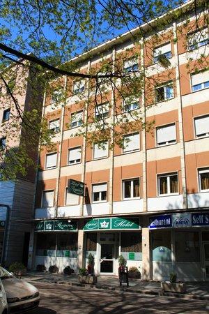 """Hotel Regina A.: """"Südseite"""""""