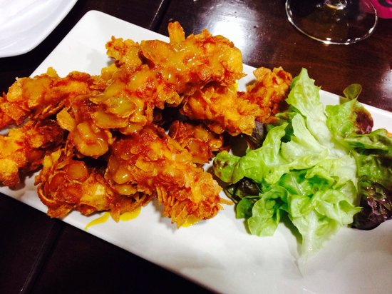Meson del Segoviano: Pollo crujiente con salsa de mostaza