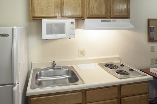 Value Place Indianapolis, Indiana (Lawrence): in Kitchen