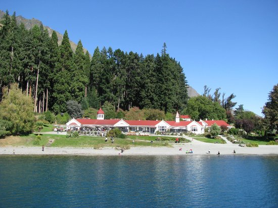 Real Journeys - TSS Earnslaw Vintage Steamship Cruises : Colonels Homestead