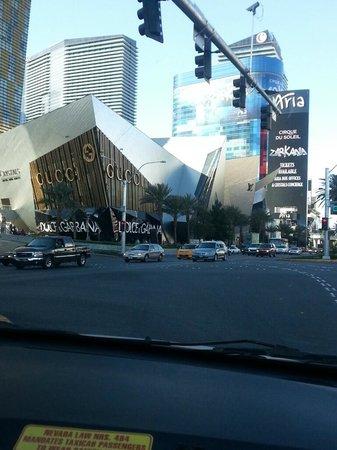 Mandarin Oriental, Las Vegas: Shopping Crystals ao lado do hotel Mandarin
