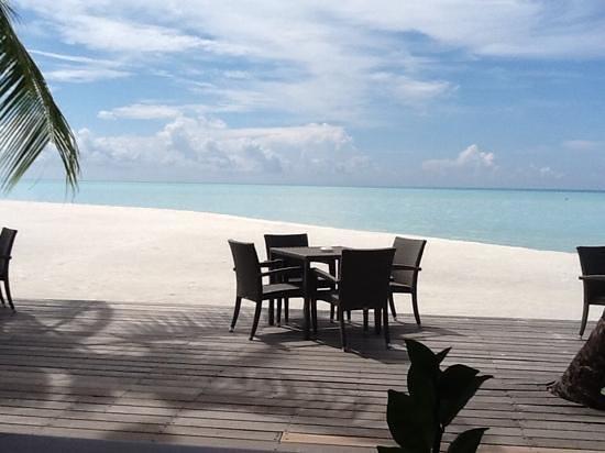 Cinnamon Hakuraa Huraa Maldives: view from dining table in restaurant