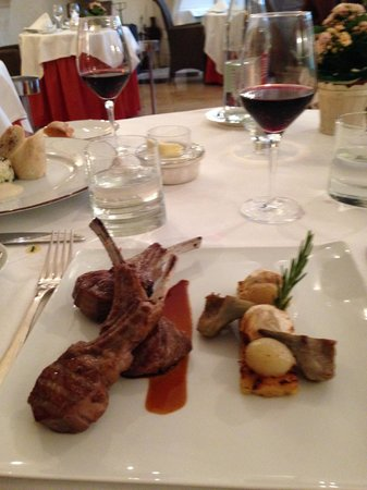 Château d'Etoges : Lamb with polenta, artichoke, garlic and oinon entree